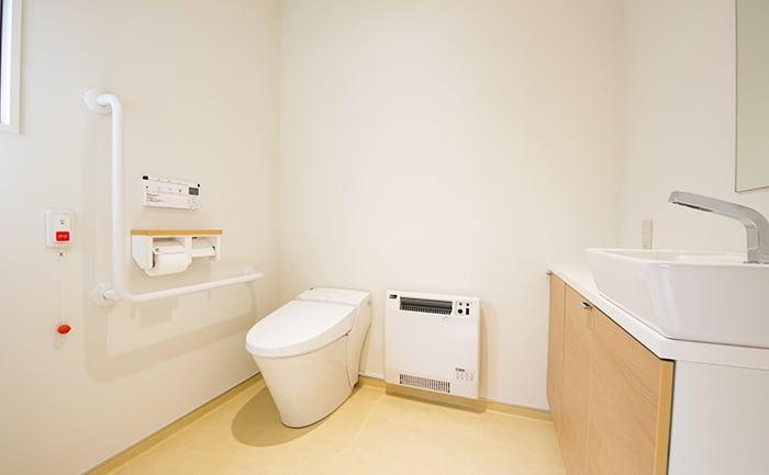 車椅子でもゆったりとしたトイレ